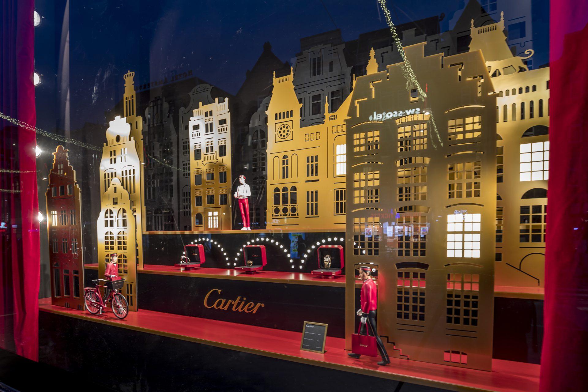 Gouden etalage presentatie Cartier